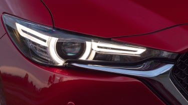 Mazda CX-5 2.0 - front light