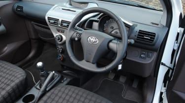Toyota iQ interior
