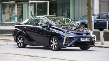 Toyota Mirai - side/front