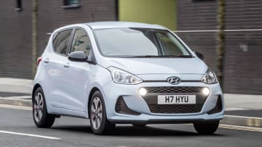 Hyundai i10 Play - front tracking