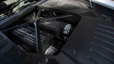 Lamborghini Huracan LP 610-4 2014 engine
