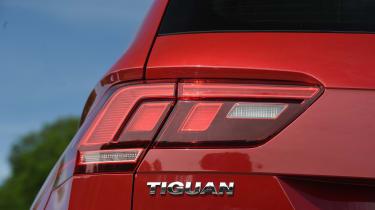 Mazda CX-5 vs Skoda Kodiaq vs VW Tiguan - Volkswagen Tiguan taillight