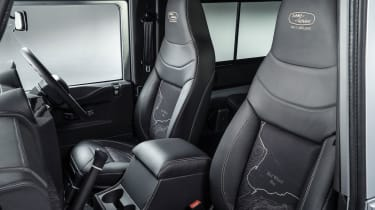 Land Rover Defender no 2 million - seats