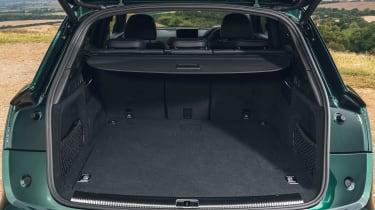 Audi Q5 55 TFSI e - boot