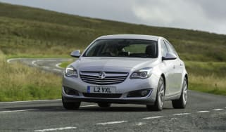 Vauxhall Insignia facelift front tracking