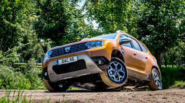 Dacia Duster front quarter action