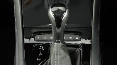 Vauxhall Grandland X Ultimate - gear lever
