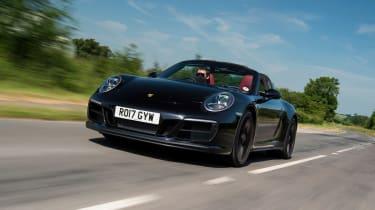 Porsche 911 Targa GTS - front tracking