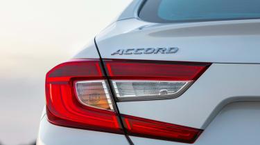 Honda Accord mk10 light