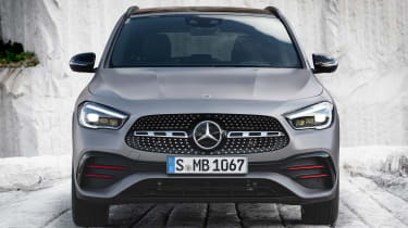 Mercedes GLA - full front