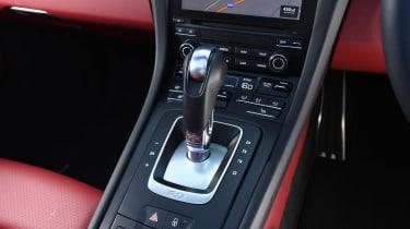 Porsche 911 Targa GTS - centre console