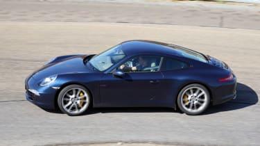 Porsche 911 panning