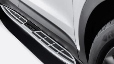Hyundai Santa Fe Wiggins Edition - door sill