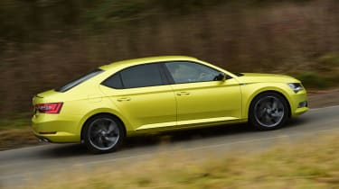 Skoda Superb Sportline - side