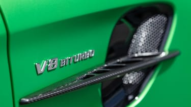 Mercedes-AMG GT R - V8 bi-turbo