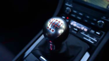 Porsche 911 Carrera T - gear lever