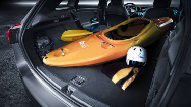 Mercedes B-Class - studio canoe