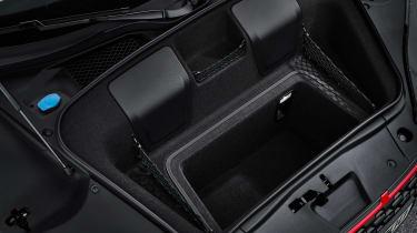 Audi R8 Performance RWD - boot