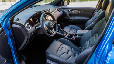 New Nissan Qashqai 2017 review cabin