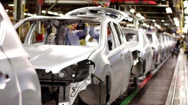 UK car production surpasses France in 2013