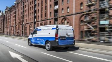 Mercedes eVito - rear tracking far