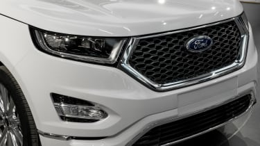 Ford Edge Vignale - studio front close