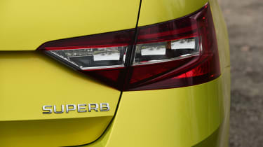 Skoda Superb Sportline - rear light detail