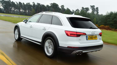 Audi A4 Allroad UK 2016 - rear tracking