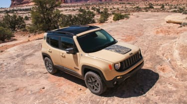 Jeep Renegade Deserthawk - front