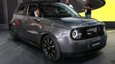 Honda e - front