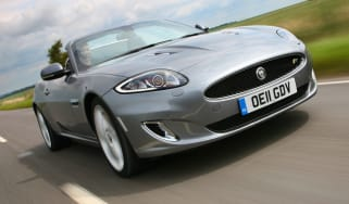 Jaguar XKR Convertible front tracking