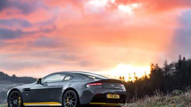 Aston Martin V12 Vantage S 2016 - rear static