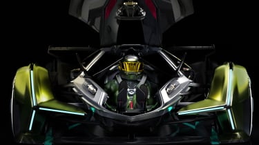 Lamborghini Lambo V12 Gran Turismo - driver in car