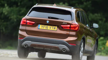 BMW X1 2016 - rear cornering