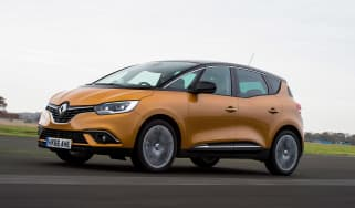Renault Scenic - front