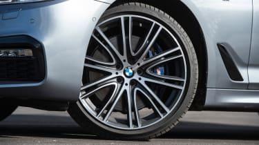 BMW 5 Series 2017 - 540i wheel