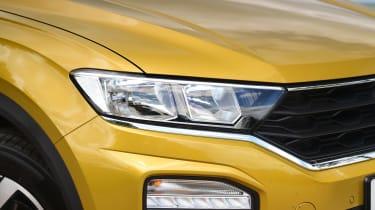 Volkswagen T-Roc Active - front lights