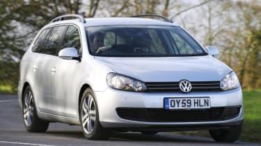 Volkswagen Golf Estate front cornering