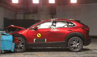 Mazda CX-30 - NCAP crash test red