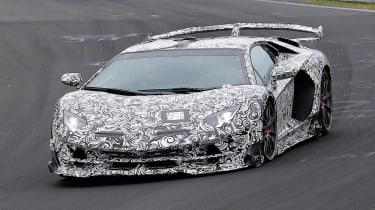 Lamborghini Aventador SVJ - spyshot front/side