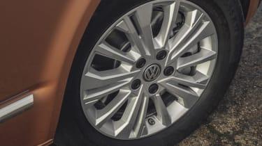 Volkswagen Caravelle - wheel