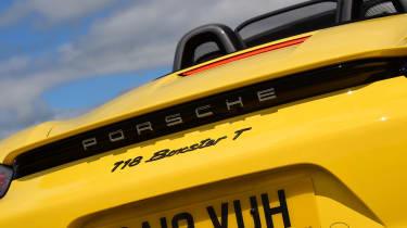 Porsche Boxster T - badge