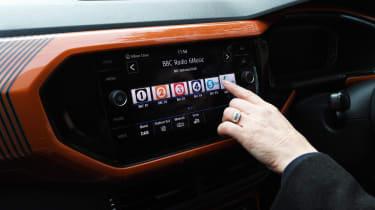 Volkswagen T-Cross 1.0 TSI - long termer first report radio