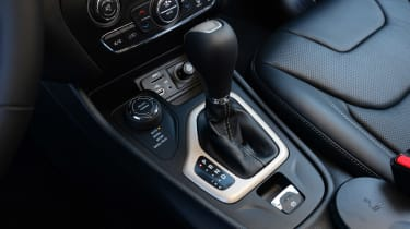 Jeep Cherokee diesel 2014 gearstick