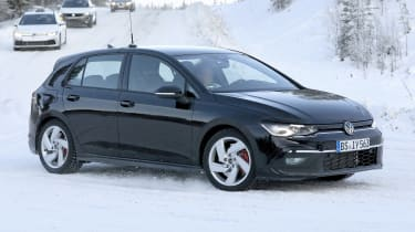 Volkswagen Golf GTI 2020 - spies - front tracking