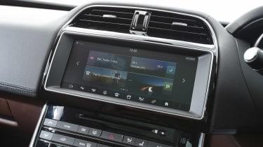 Jaguar XE AWD - infotainment screen