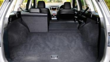 Subaru Outback 2.0D SE NavPlus boot