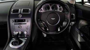 Aston Martin Vantage (used) - dash
