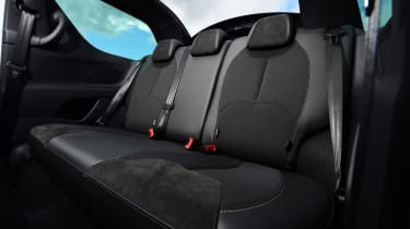 DS 3 Performance Cabrio 2016 - rear seats