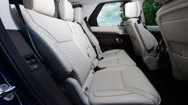 Land Rover Discovery TD6 - rear seats